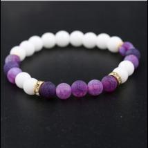 Fehér jade és lila achát ásványkarkötő