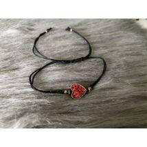 Csillogós szívecskés zsinórkarkötő- piros