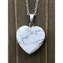 Szív alakú howlit ásványmedálos nyaklánc