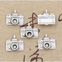 Fényképezőgép fityegő