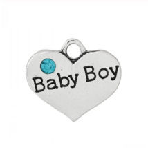 Baby boy fityegő