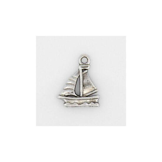 Ezüst színű hajó fityegő