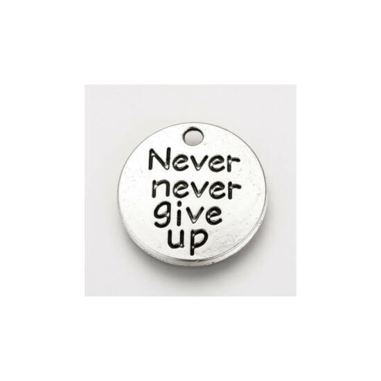 Never never give up feliratos fityegő