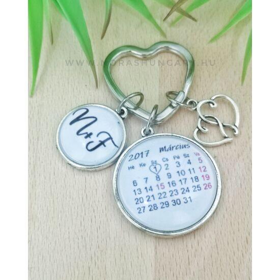 Egyedi dátumos kulcstartó